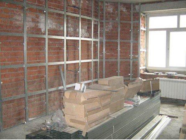 Как правильно обшить гипсокартонном потолок и стены